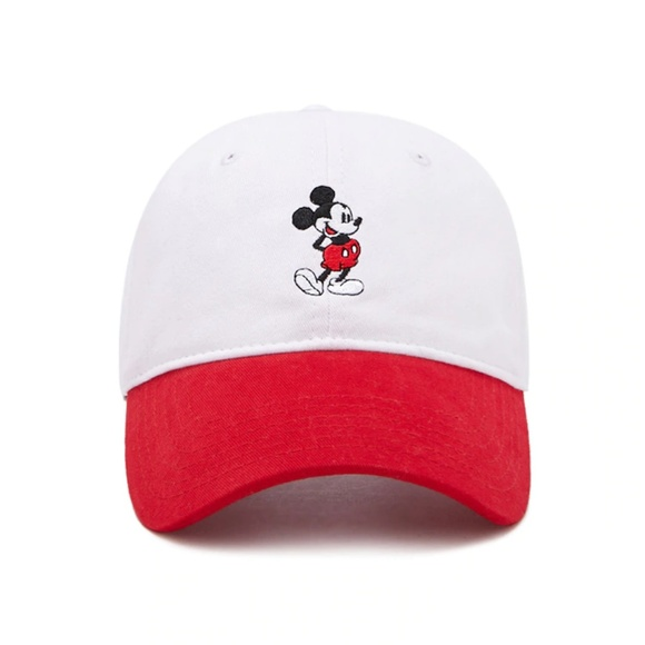 44aa9a9d2d333 Mickey Mouse Graphic Dad Cap. NWT. Disney